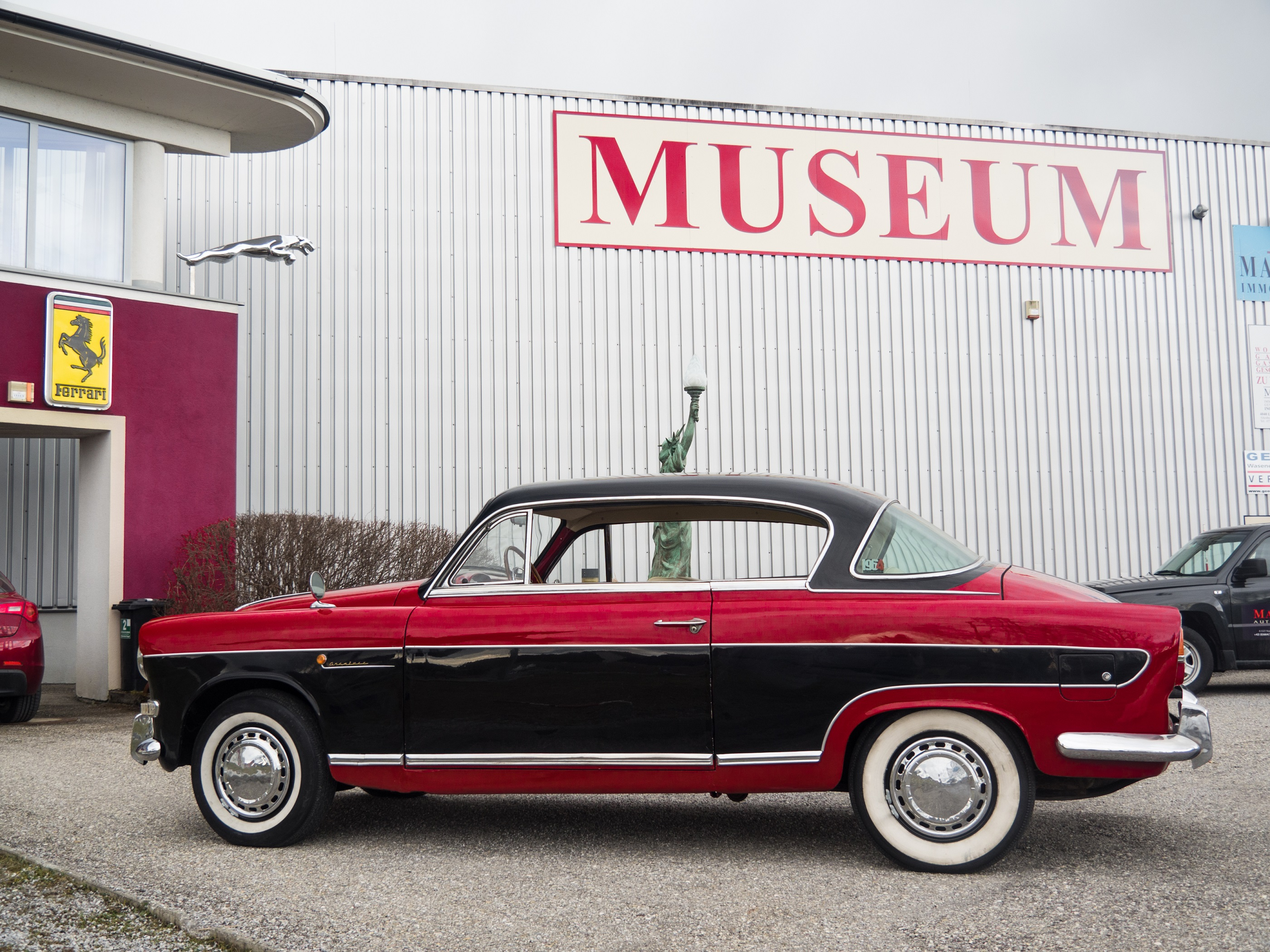 manro classic auto \u0026 musik museum salzburgsilhoutte