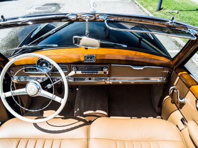 Mercedes 300 Adenauer Cabriolet Innenraum