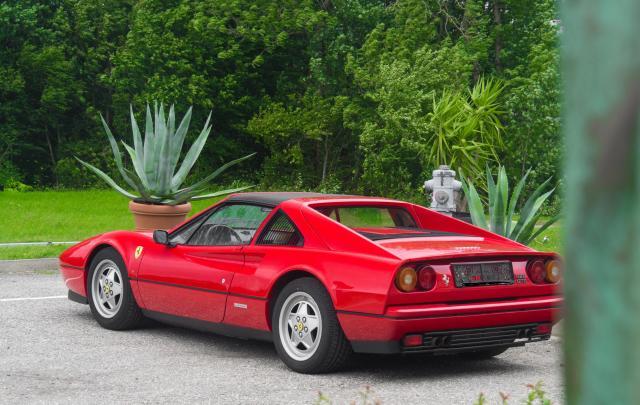 Ferrari 328 GTS Seite