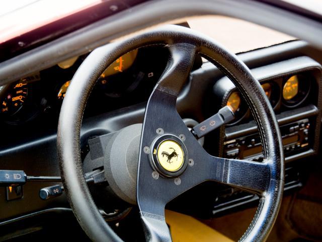 Ferrari 328 GTB Interieur
