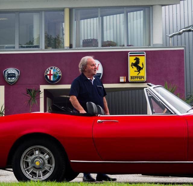 Manfred Rotschne mit Fiat Dino Spider